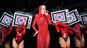 026511100_1507006576-20171003-Katy-Perry-AFP8